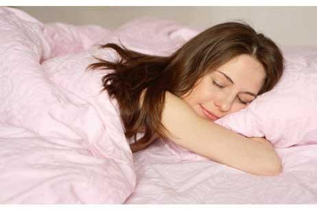 النوم على البطن له مضار كثيره 78z_n110.jpg